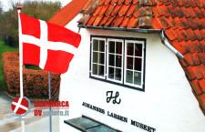 L'ingresso al museo di di Johannes Larsen