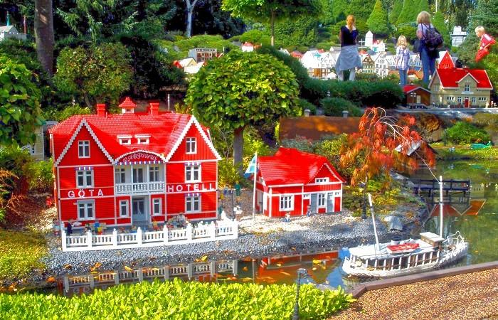 Billund: la città dei LEGO dove è permesso (anzi, obbligatorio) tornare bambini